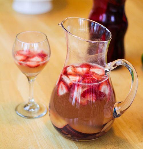 Cava sangria recipes dishmaps for Cava sangria