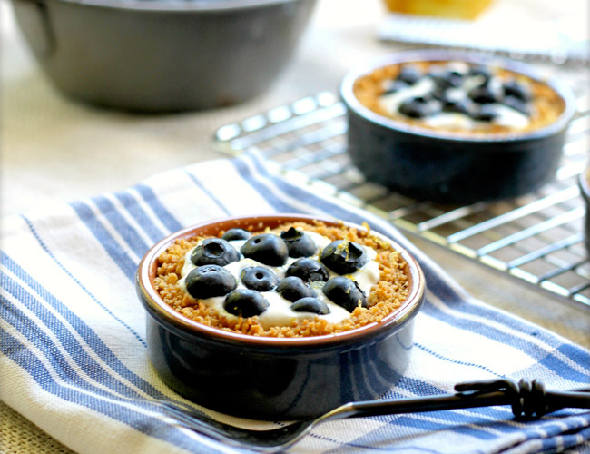 Blueberry Tartelettes from TasteFood on NoshOnIt
