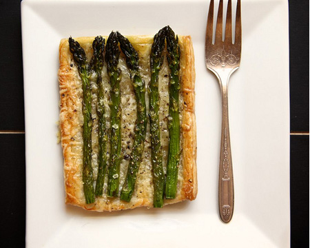 Asparagus and Gruyere Tarts